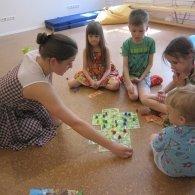 """Игры и занятия в группах для детей и родителей, английский клуб, творческие студии - набор детей от 1 года в коворкинге """"Дом Гнома"""", СПб"""