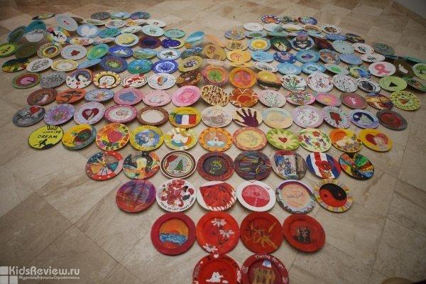 Мастер-класс по росписи тарелок в Шереметевском дворце в Санкт-Петербурге