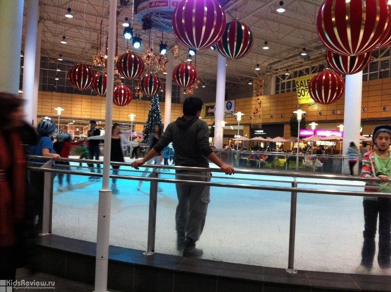Ледовый каток в МЕГА Парнас