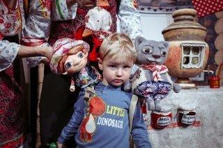 """""""Жихарка"""", спектакль от театра """"Тутти"""" для малышей от 1 года до 4 лет в гостиной Loskuti-Pati, СПб"""